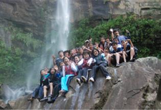修学旅行で亜熱帯の西表島の大自然を体験